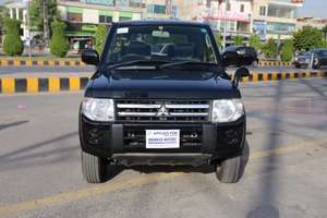 Mitsubishi Pajero Mini VR 2011 for Sale in Lahore