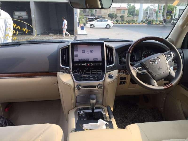 Toyota Land Cruiser 2016 Image-18