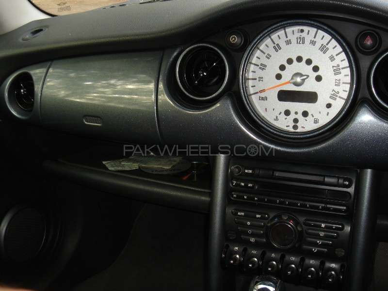 MINI Cooper 2002 Image-8