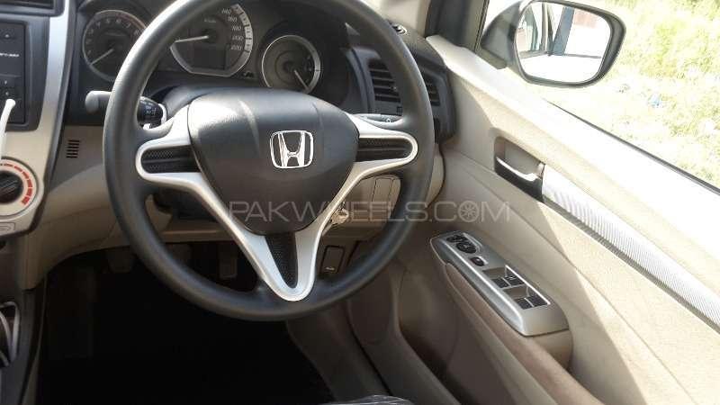Honda City i-VTEC 2015 Image-12