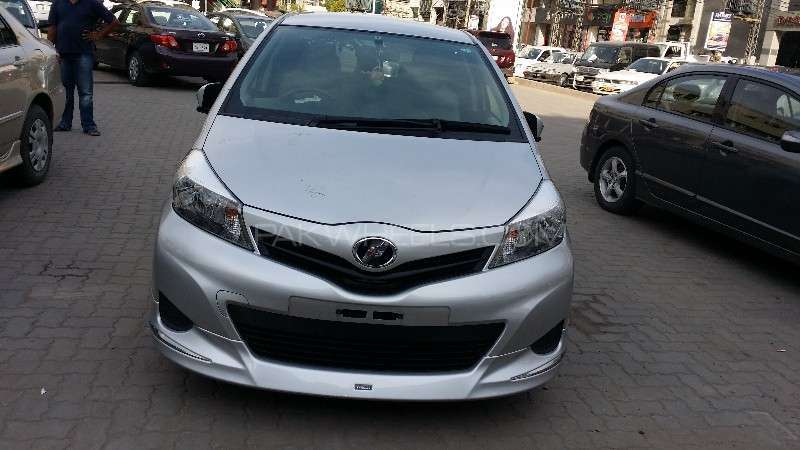 Toyota Vitz F M Package 1.0 2012 Image-1