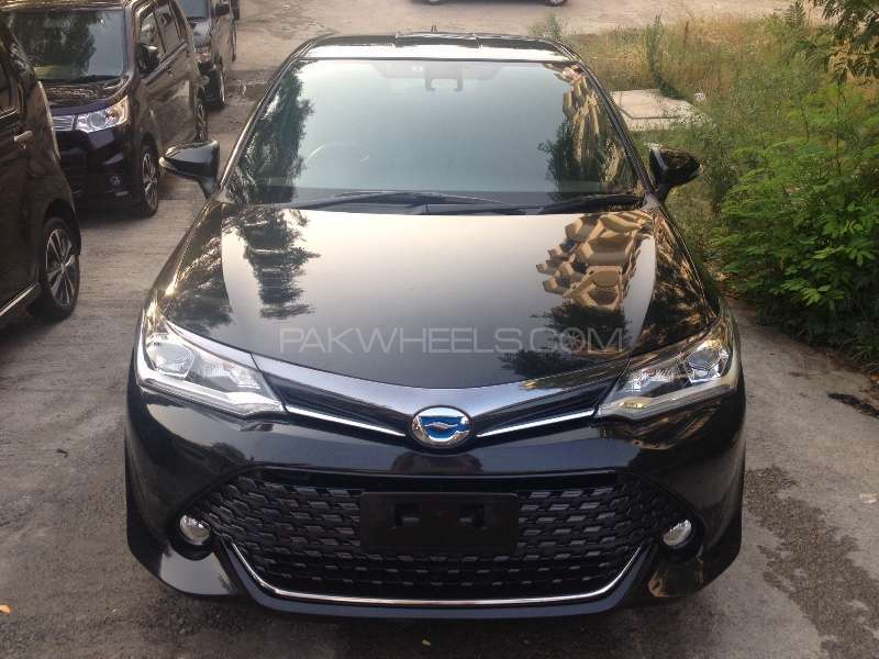 Toyota Corolla Axio Hybrid 1 5 2015 For Sale In Islamabad