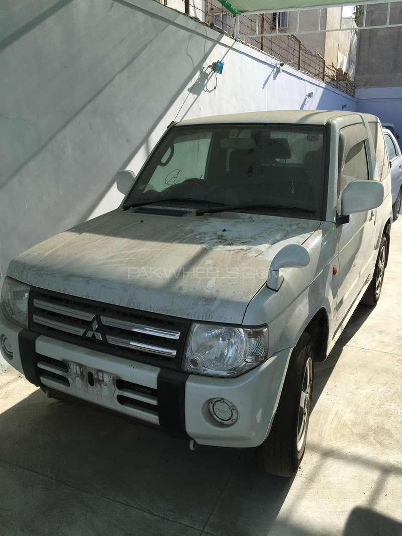 Mitsubishi Pajero Mini XR 2011 Image-1