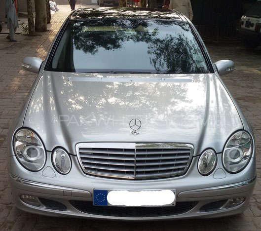Mercedes Benz E Class E220 CDI 2004 Image-1