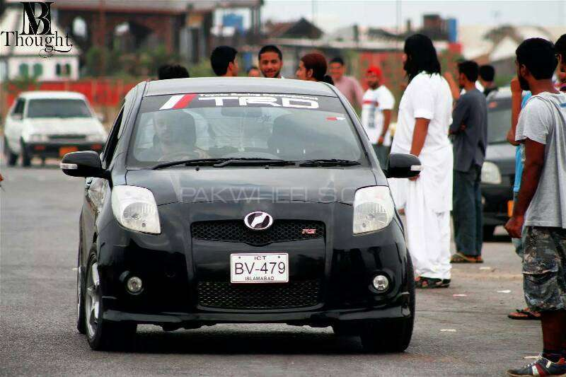 Toyota Vitz RS 1.5 2008 Image-1