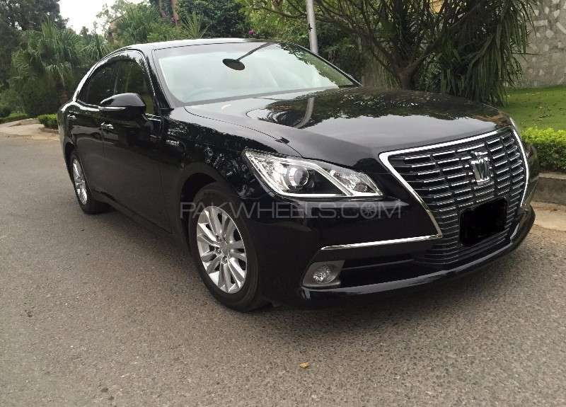 used toyota crown royal saloon 2013 car for sale in