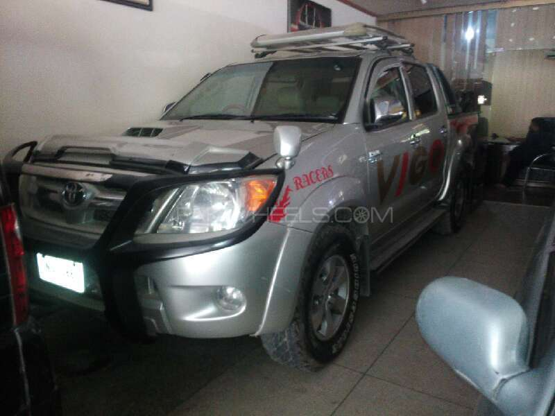 Toyota Hilux 2005 Image-1