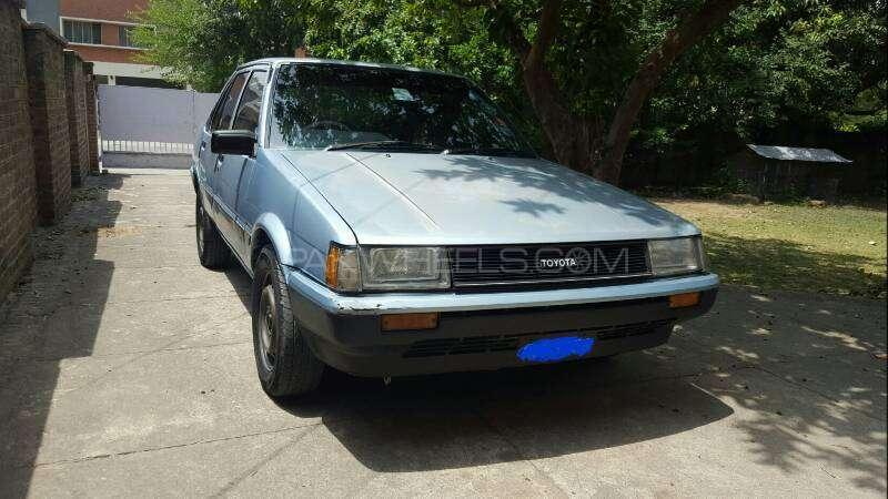 Toyota Corolla DX Saloon 1983 Image-12
