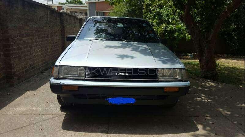 Toyota Corolla DX Saloon 1983 Image-13