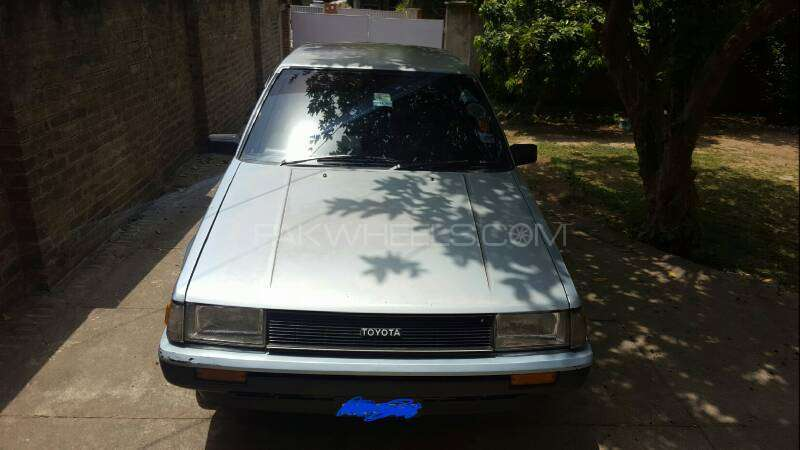 Toyota Corolla DX Saloon 1983 Image-15