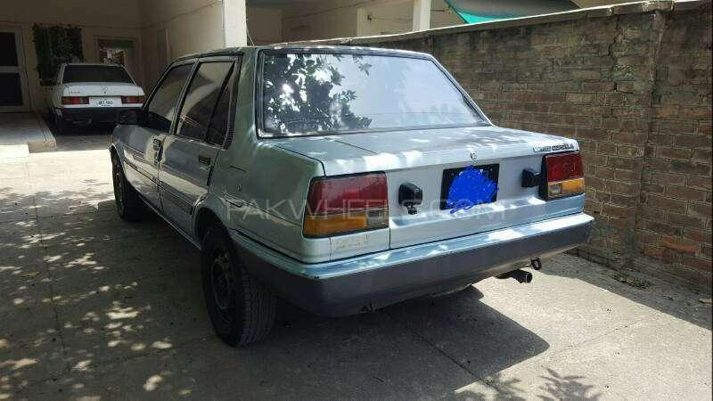Toyota Corolla DX Saloon 1983 Image-16