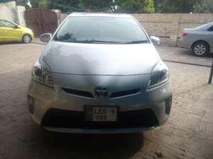 Toyota Prius S 1.8 2012 for Sale in Multan