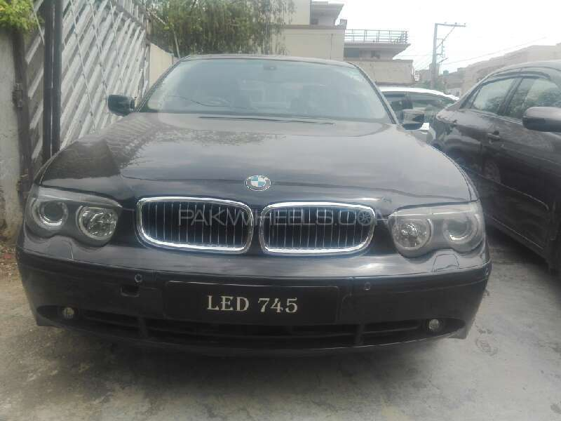 BMW 7 Series 745i 2003 Image-1
