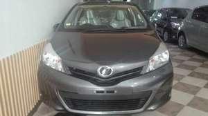 Used Toyota Vitz F 1.0 2012