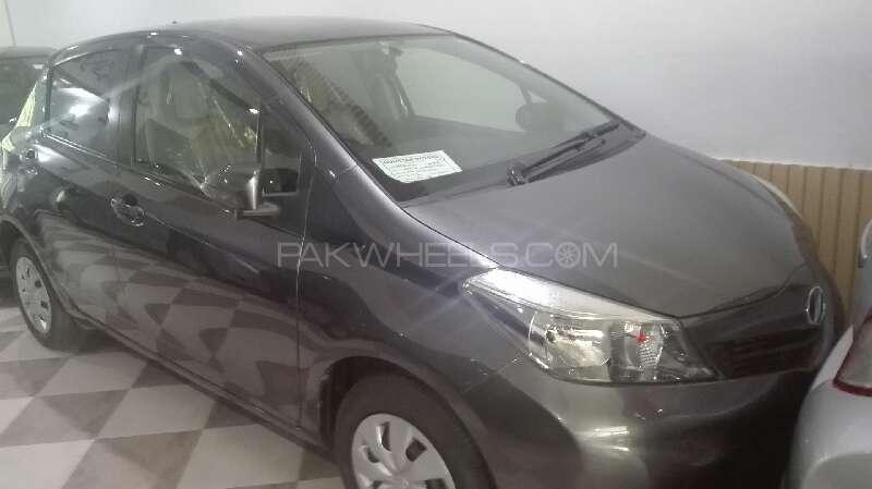 Used Toyota Vitz F 1.0 2013