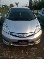 Slide_honda-fit-hybrid-navi-premium-selection-2012-12360981