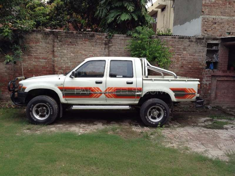 Great Toyota Hilux Double Cab 1991