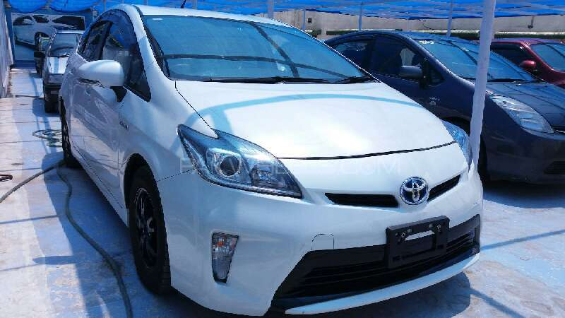 toyota prius 2010 for sale in islamabad pakwheels. Black Bedroom Furniture Sets. Home Design Ideas