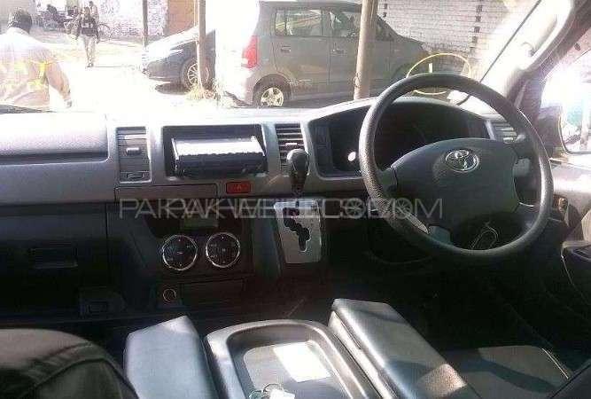 Toyota Hiace GL 2011 Image-2