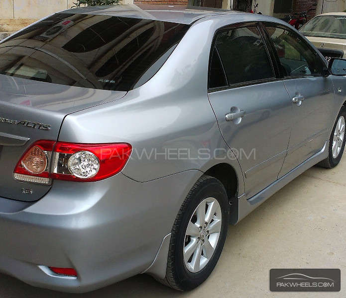 Toyota Corolla Altis SR 1.6 2012 Image-7