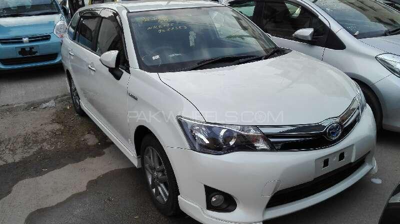Toyota Corolla Fielder G Aerotourer 2013 Image-1
