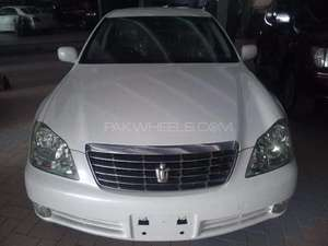 Toyota Crown Royal Saloon 2005 for Sale in Karachi