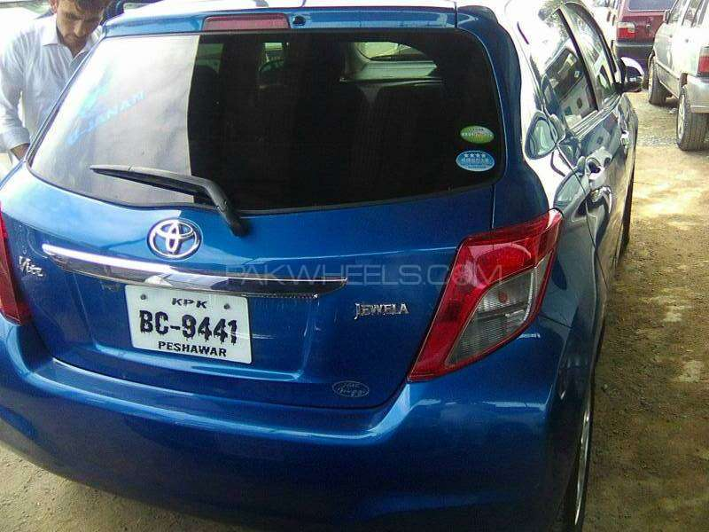 Toyota Vitz Jewela Smart Stop Package 1.3 2011 Image-1
