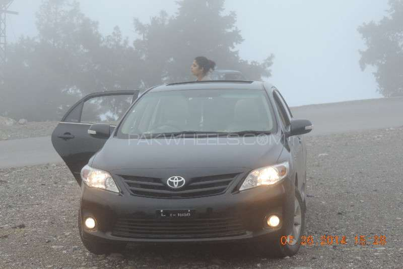 Toyota Corolla Altis SR Cruisetronic 1.6 2014 Image-2