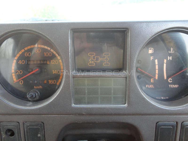 Mitsubishi Pajero Exceed 2.5D 1988 Image-2