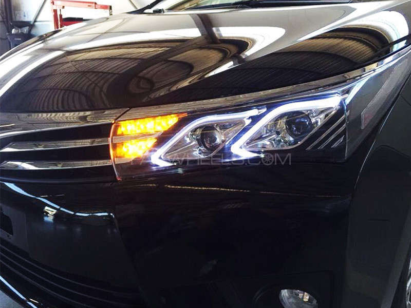 Head Lights Corolla Set - 2014-2016 in Lahore