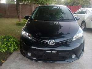 Toyota Vitz F 1.0 2014 for Sale in Multan