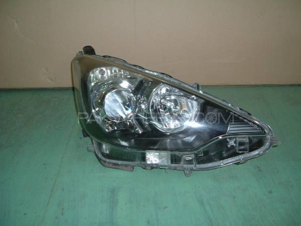 Aqua Headlight Right Model 2013/14 Image-1