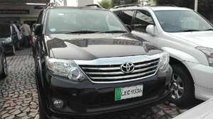 Slide_toyota-fortuner-2-7-automatic-2011-13036073