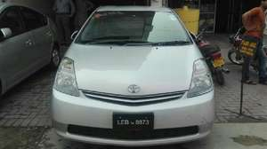 Toyota Prius S 1.8 2010 for Sale in Lahore