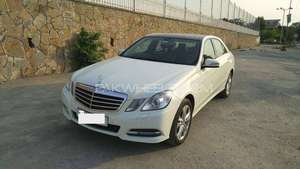 Mercedes Benz E Class E250 2011 for Sale in Islamabad