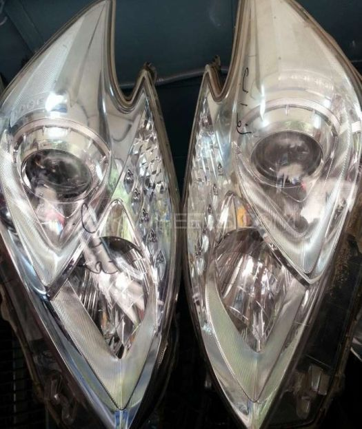 Toyota prius 1800cc led head light Image-1