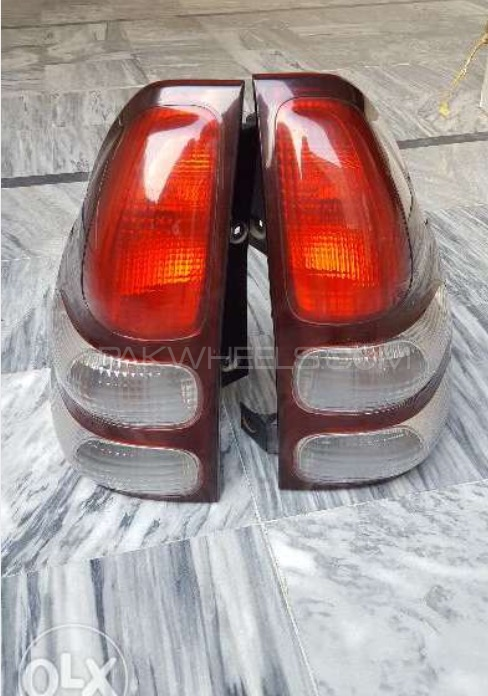 Prado tail lights pair Image-1