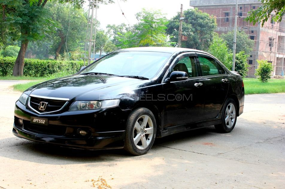 honda accord 2004 for sale in lahore pakwheels. Black Bedroom Furniture Sets. Home Design Ideas