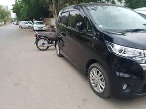 Nissan Dayz Highway Star 2013 for Sale in Karachi