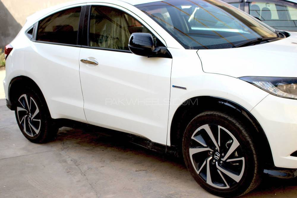 Honda Vezel Hybrid Rs Honda Sensing 2016 For Sale In Rawalpindi Pakwheels