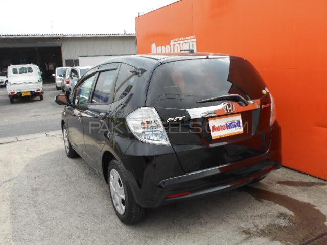 Honda Fit Hybrid XH Selection 2013 Image-1
