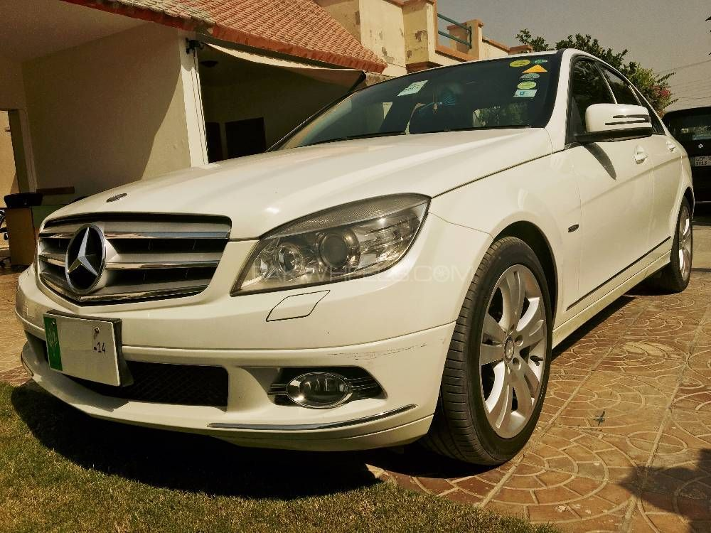 mercedes benz c class c200 2009 for sale in lahore pakwheels. Black Bedroom Furniture Sets. Home Design Ideas