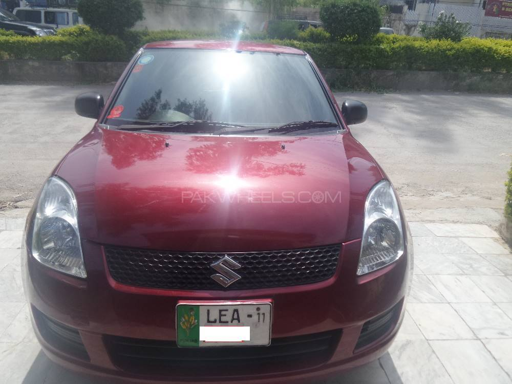 Suzuki Swift DX 1.3 2011 Image-1