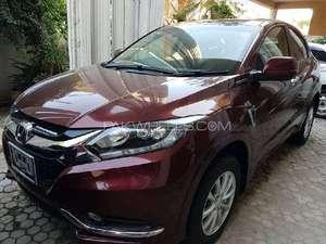Honda Vezel Hybrid RS Honda Sensing  2015 for Sale in Islamabad