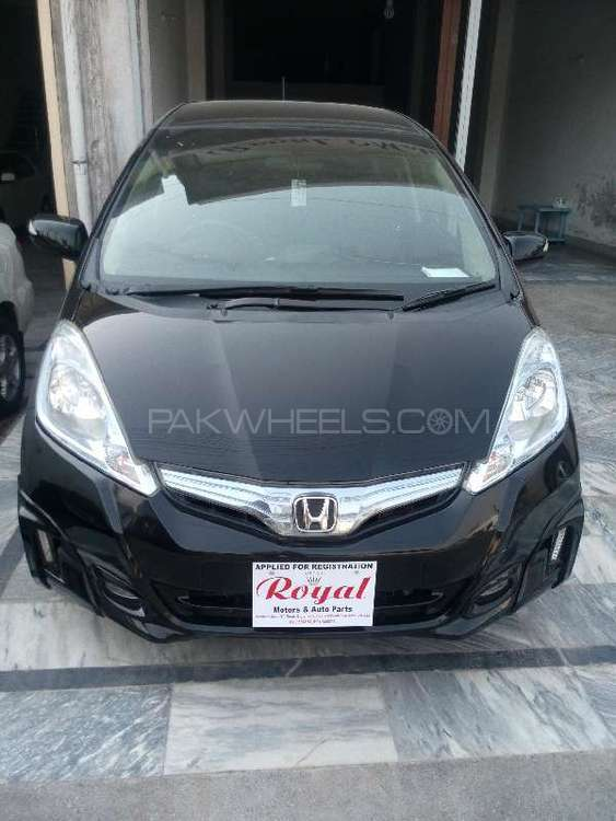 Honda Fit Hybrid 10th Anniversary 2012 Image-1