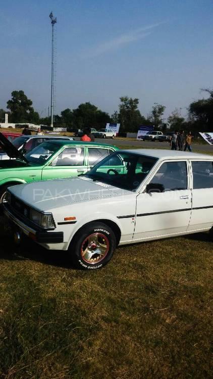 Toyota Corolla DX Saloon 1982 Image-1