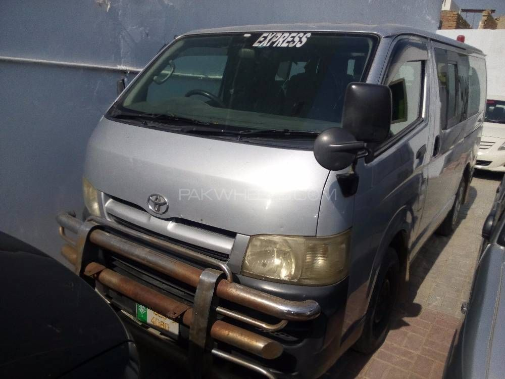 Toyota Hiace Mid-Roof 2.7 2004 Image-1