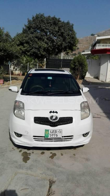 Toyota Vitz iLL 1.3 2008 Image-1