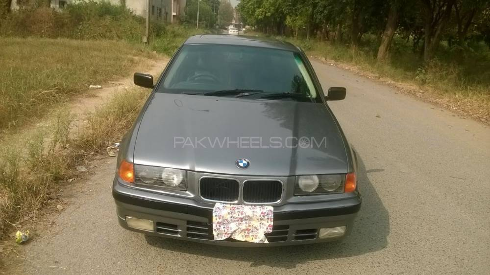BMW 3 Series 318i 1992 Image-1