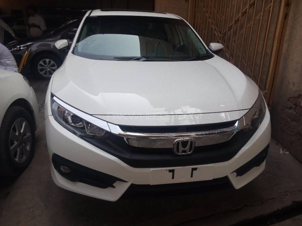 Honda Civic Oriel 1.8 i-VTEC CVT 2016 Image-1